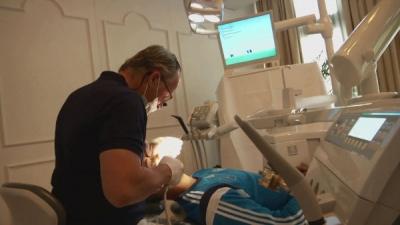 Dr. Tschackert untersucht U21 Nationalmannschaft vor der Europameisterschaft in der Tschechischen Republik